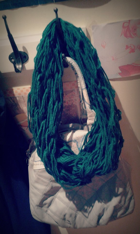 arm knitted scarf (1)
